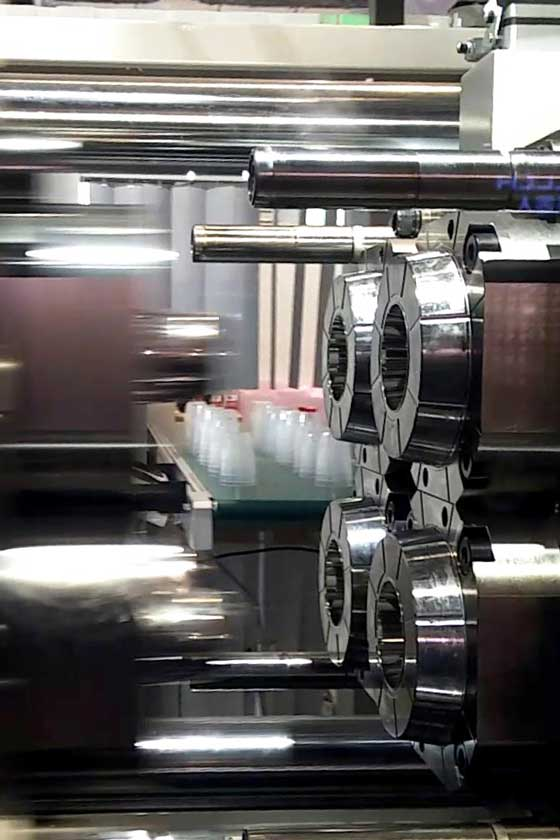 injection molding of plastic cups