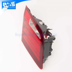 car tail light assembly