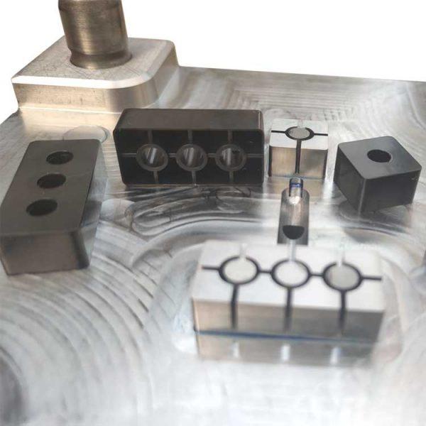 lower mold for similar lego bricks