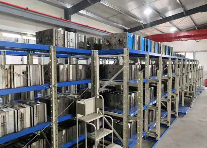 storage rack for injection molds