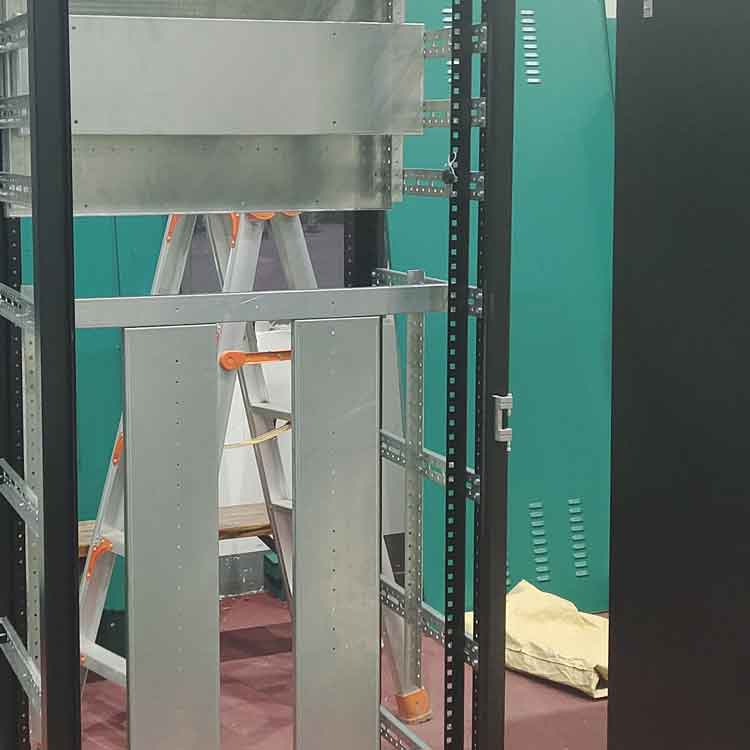 42U server rack mounting rails